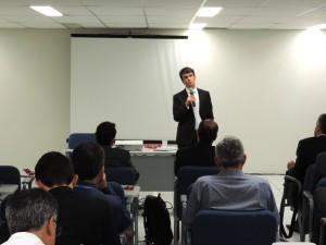 Ítalo Nogueira em palestra para gerentes da CAIXA. Foto: Divulgação/Assessoria CAIXA