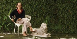 Marianne Peretti em sua casa, em Olinda/PE